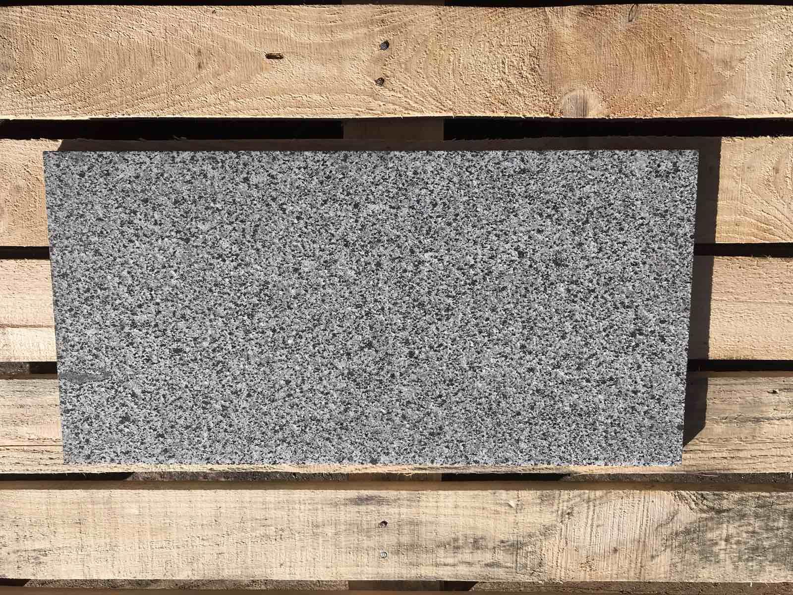 гранитная плитка 600х300